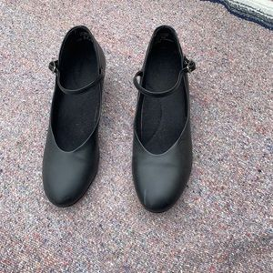Woman's leather dance shoes